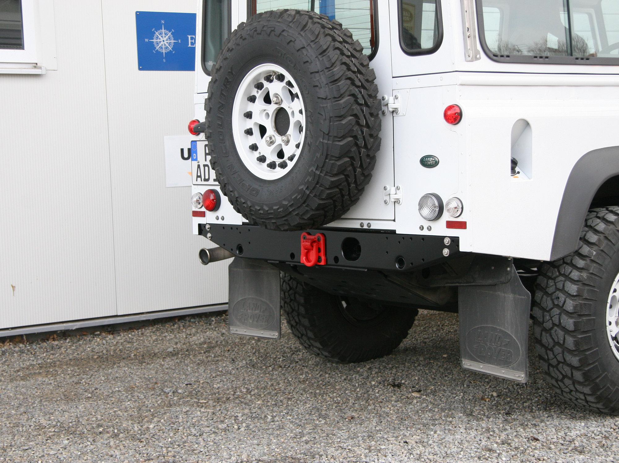 Bergeoese fuer Hecktraverse Land Rover Defender.001