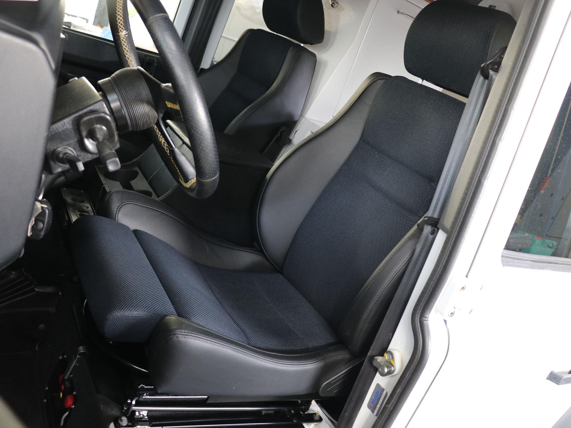 Entreq Komfortsitz Sportsitz Land Rover Defender.004