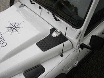 Haubentritte Land Rover Defender
