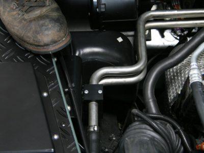 Kotfluegelstuetzbleche Land Rover Defender