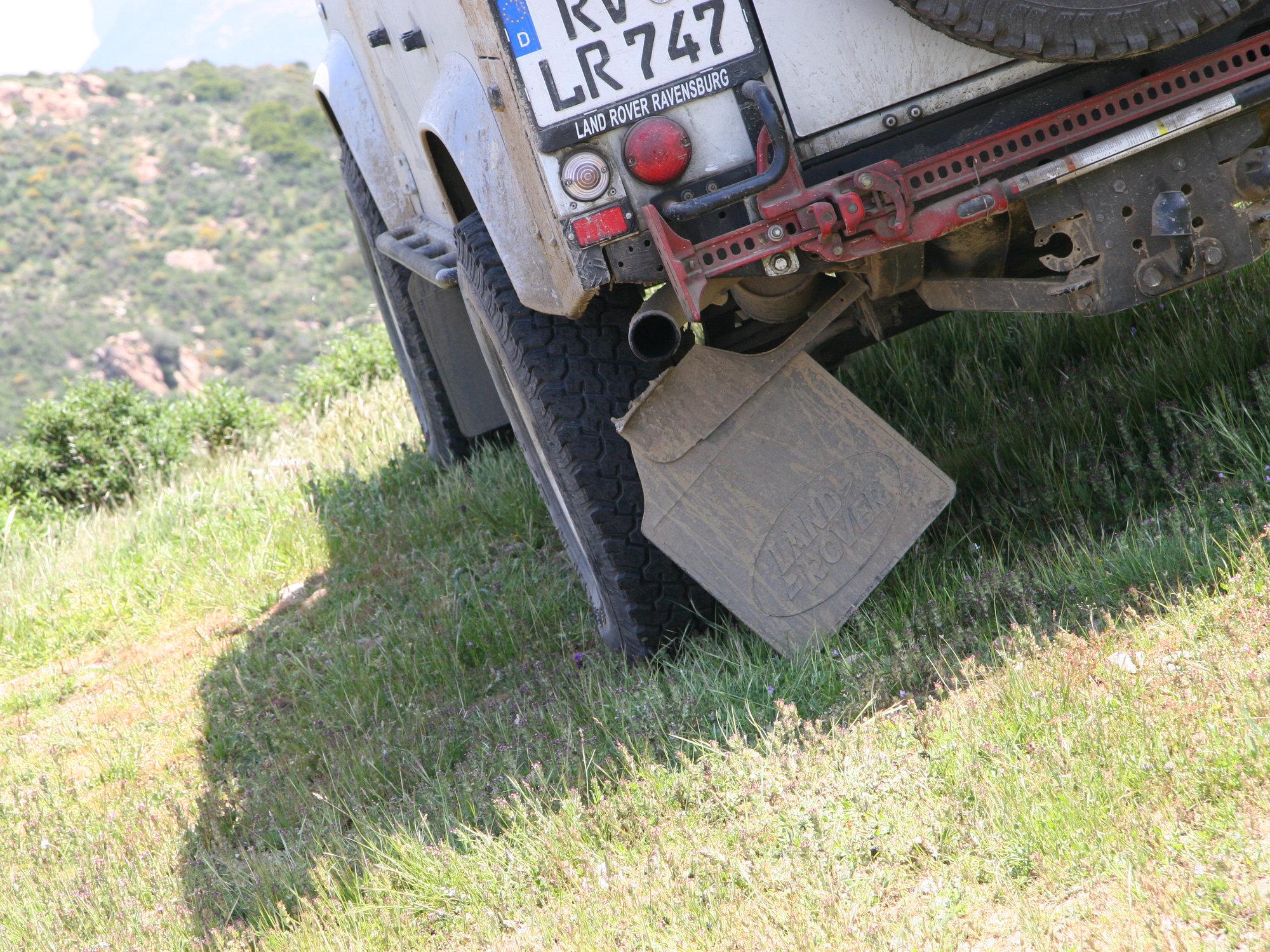 Randverstaerkung für Spritzlappenhalterung Land Rover Defender.000