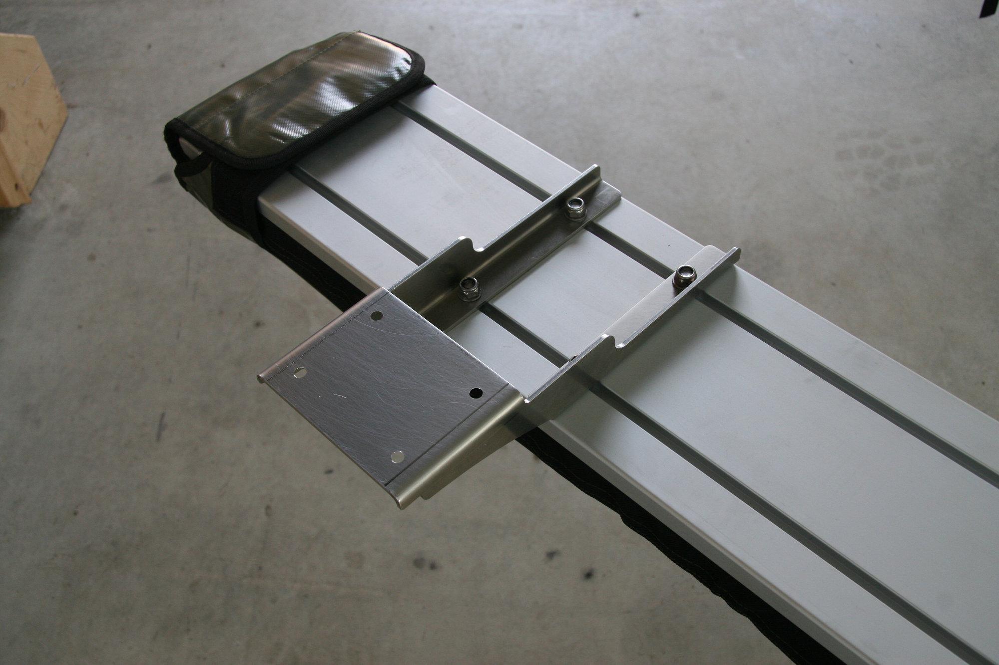 Halterungssatz für Foxwing-Markise Land Rover Defender.001