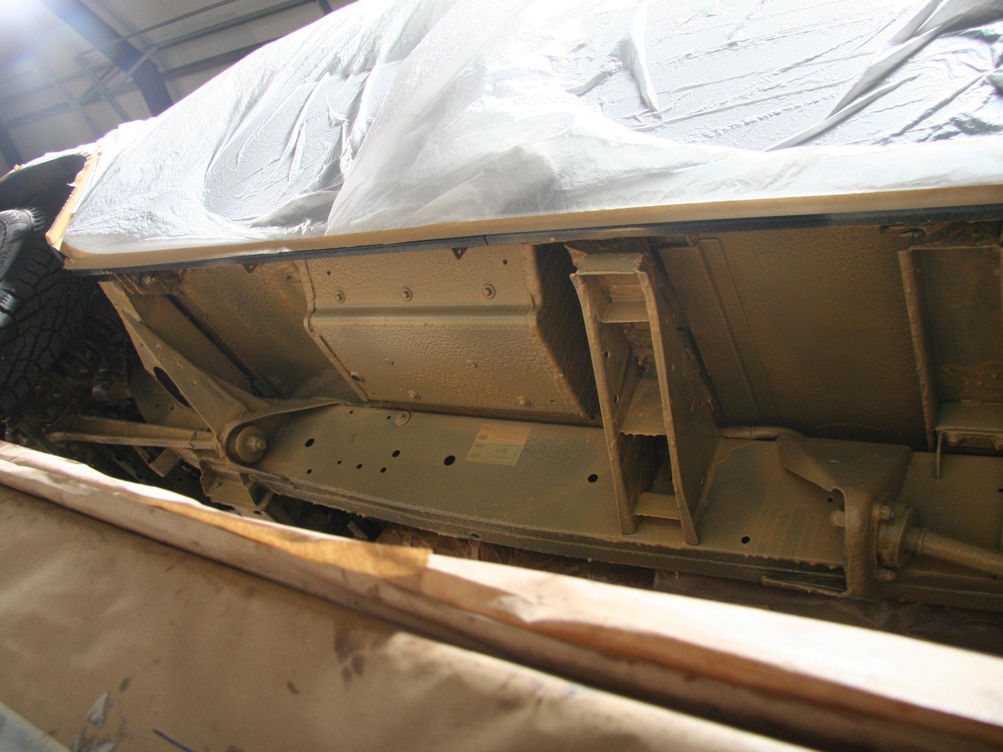 Hohlraumversiegelung Unterbodenschutz Land Rover Defender