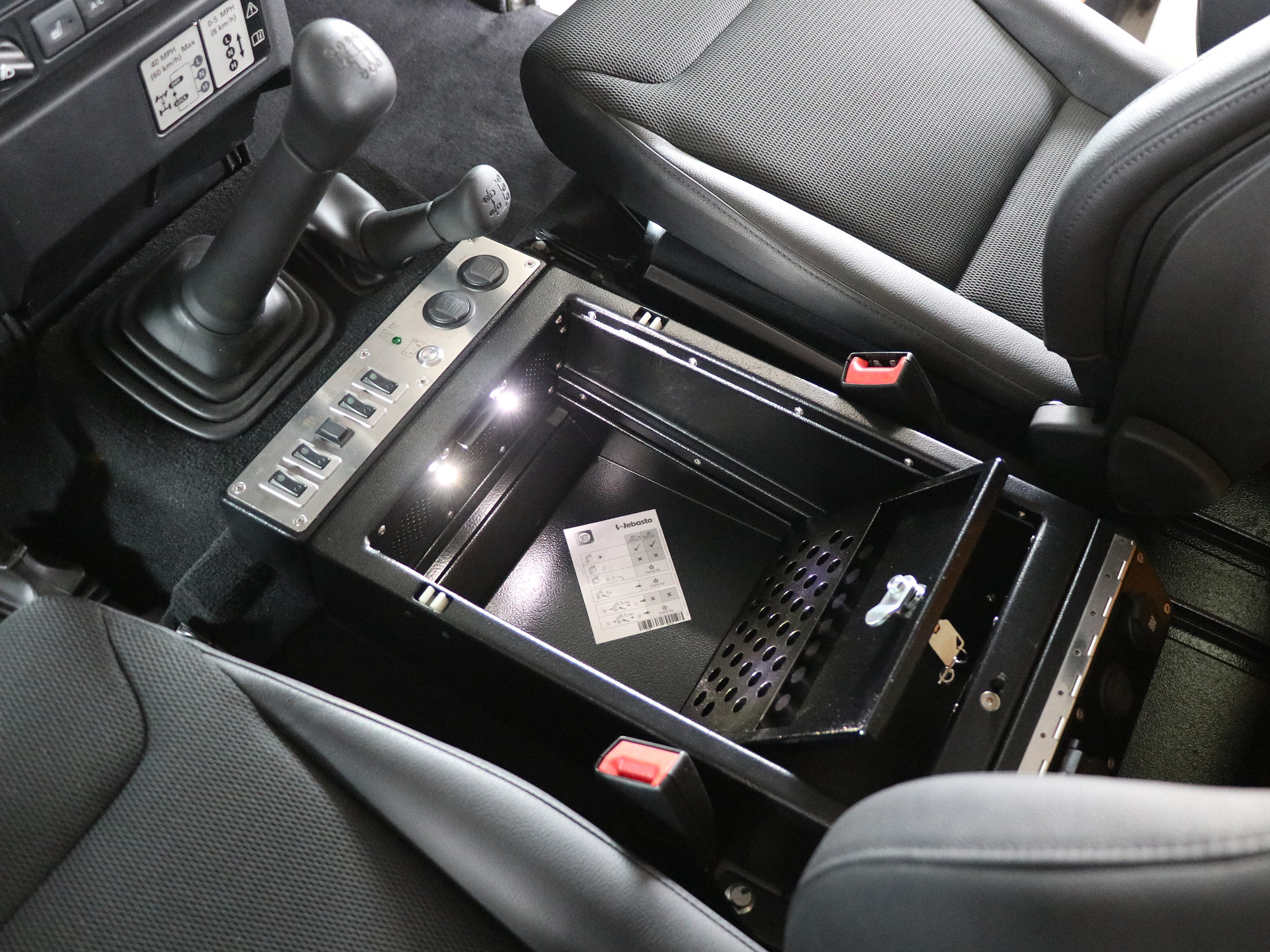 Cubby-Box Professional Land Rover Defender.000