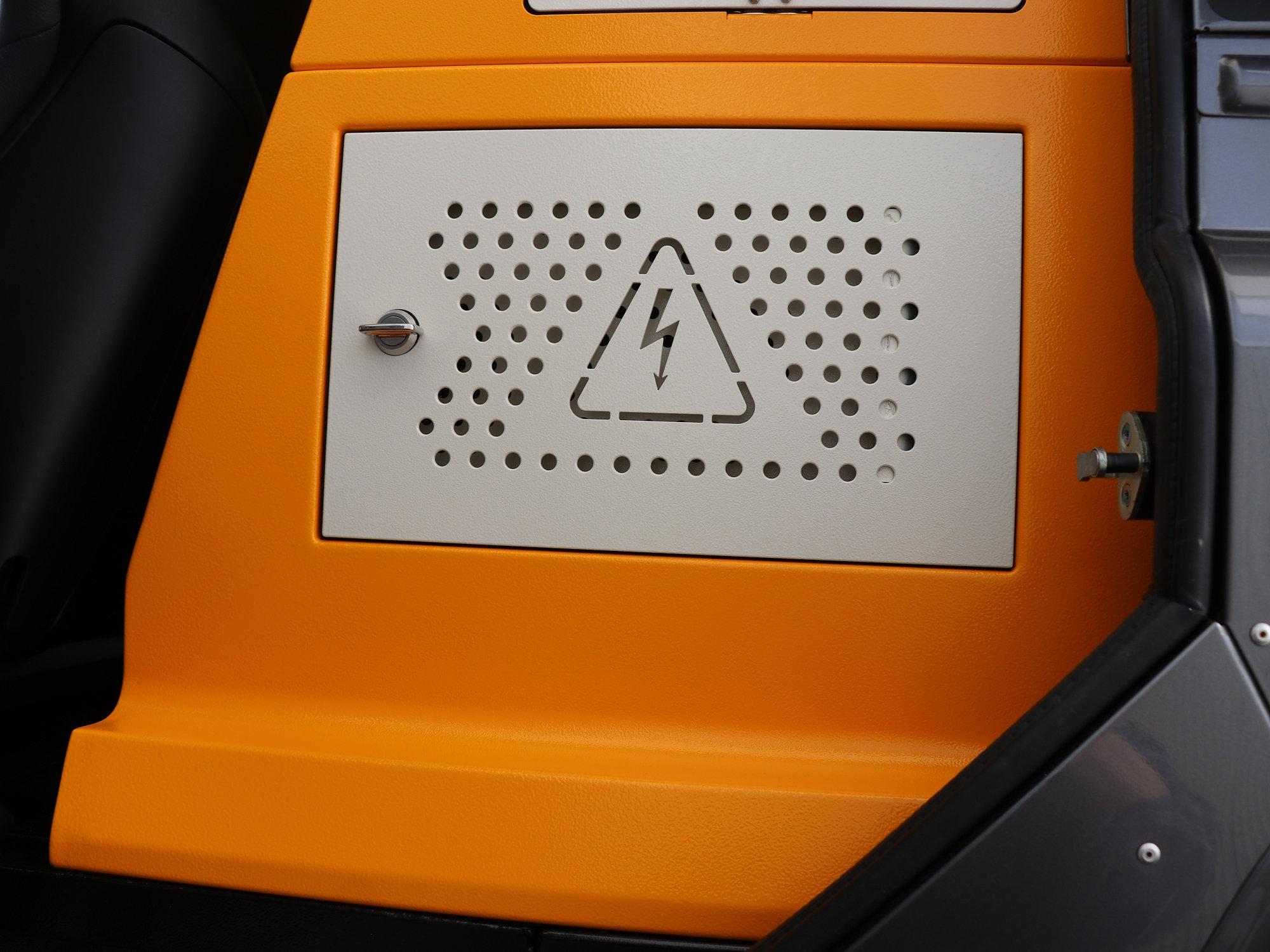 EBOX Land Rover Defender.003