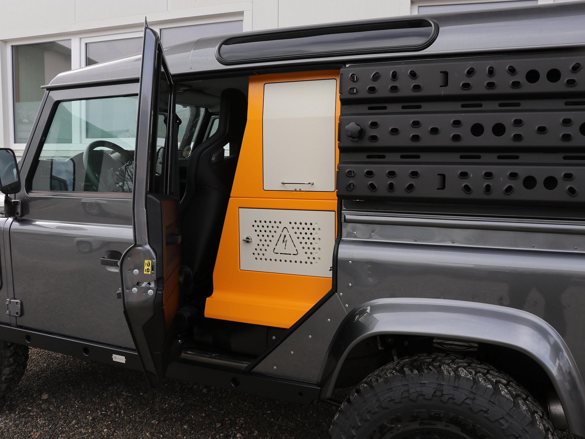 FBOX Land Rover Defender.009