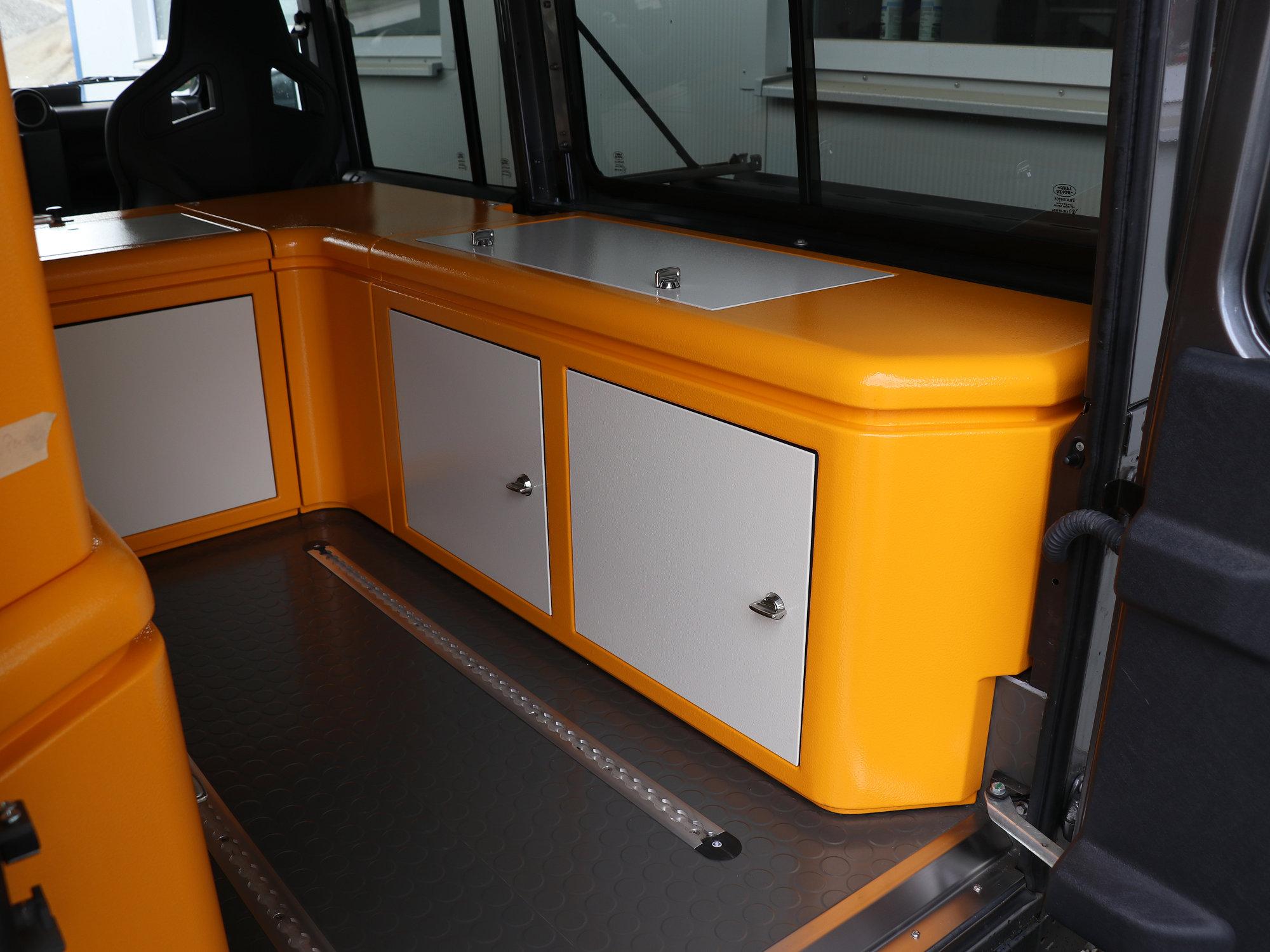 Sitzbox Beifahrer Land Rover Defender.004