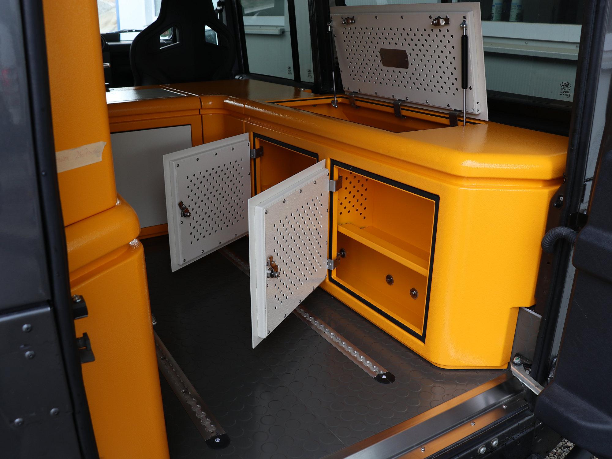 Sitzbox Beifahrer Land Rover Defender.006