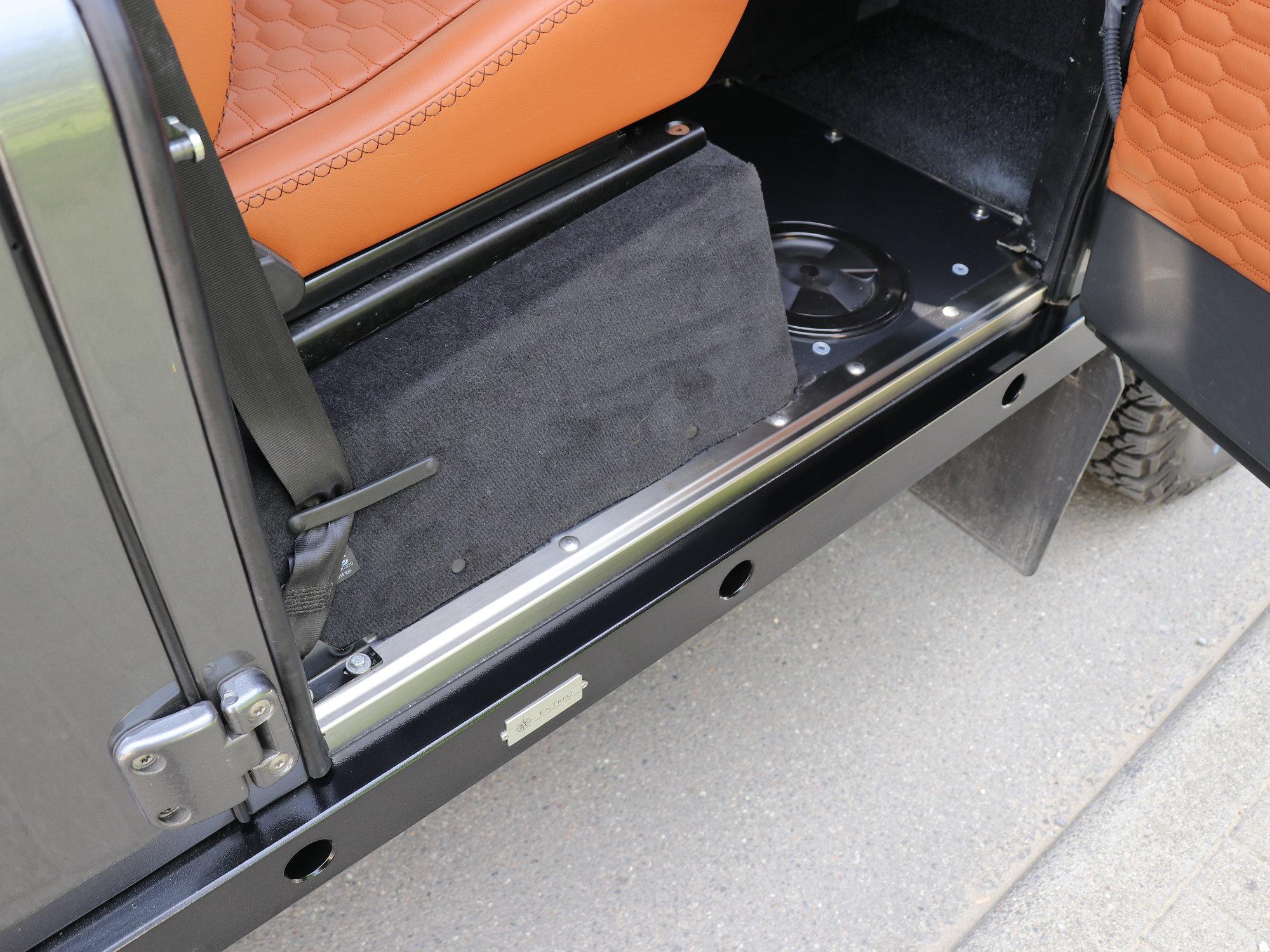 Edelstahl-Einstiegleisten Land Rover Defender