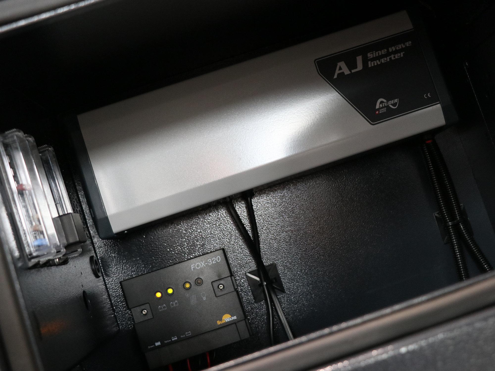 1Kw Wechselrichter im Land Rover Defender