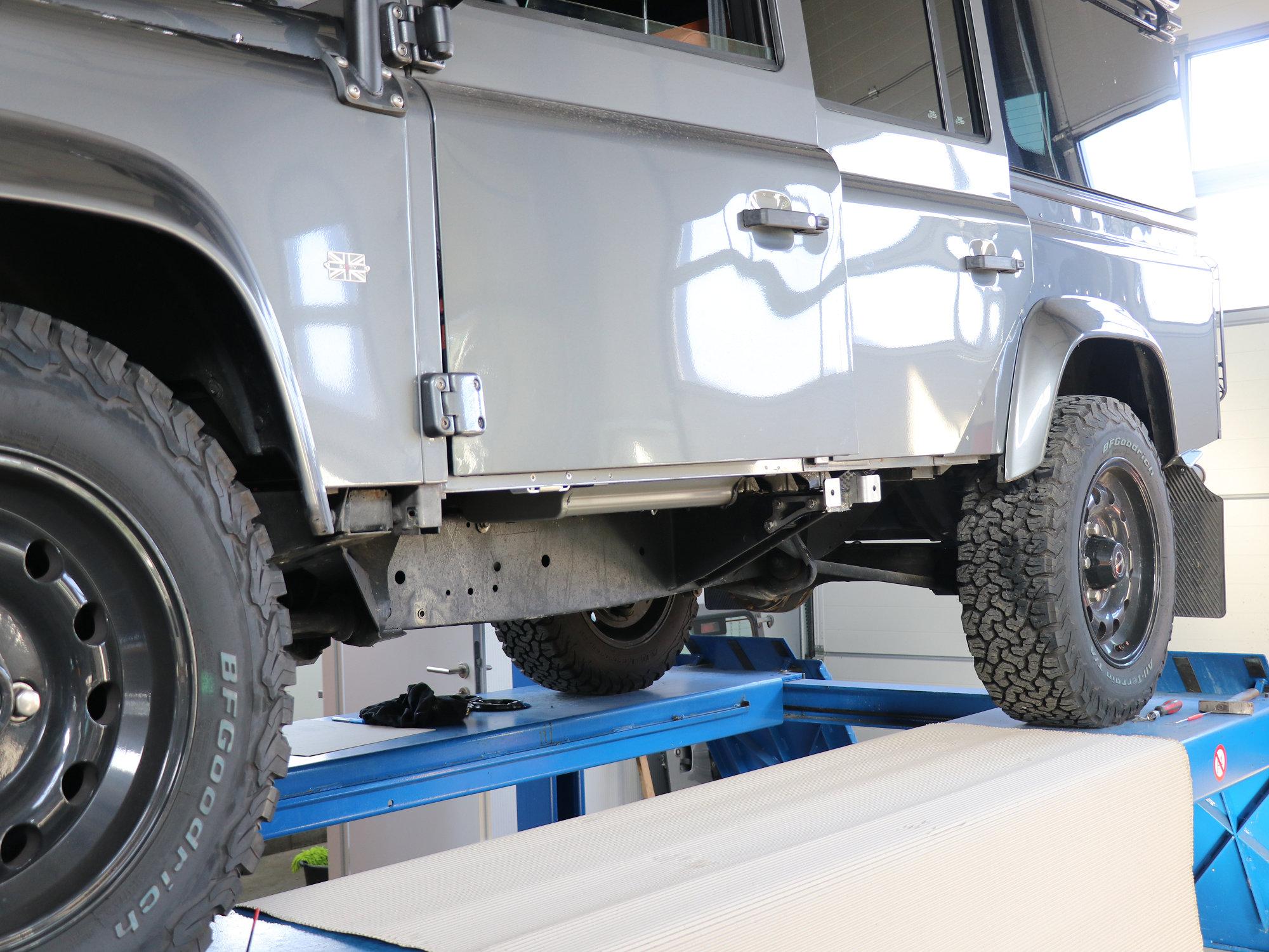 Seitenaufprallschutz Land Rover Defender.002