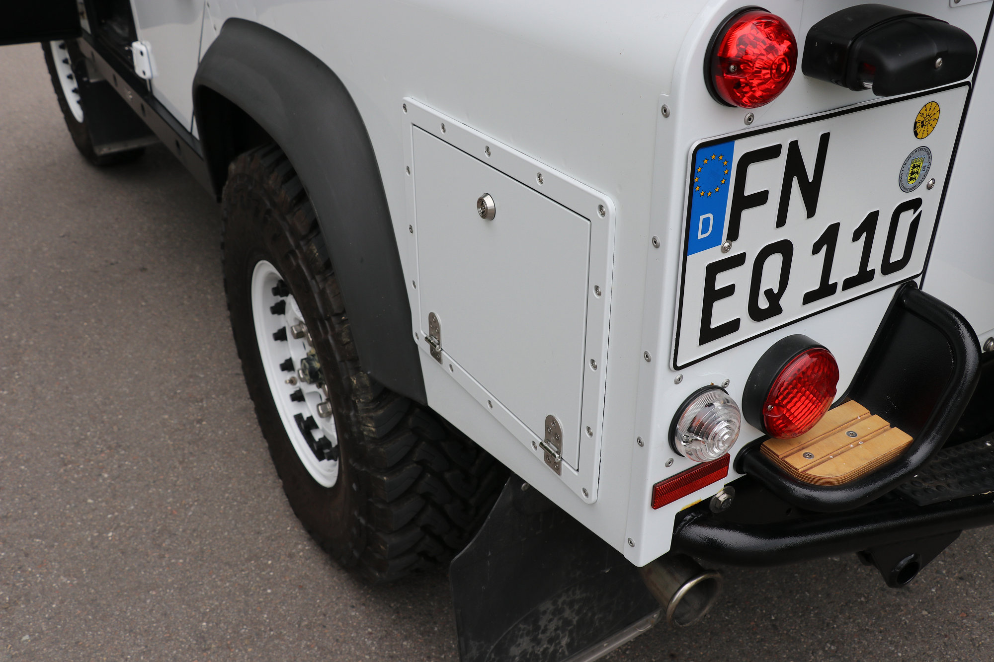 Staubox Seitenwand Radkastenstaubox Land Rover Defender.005