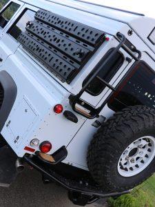 Edelstahl-Heckleiter Land Rover Defender