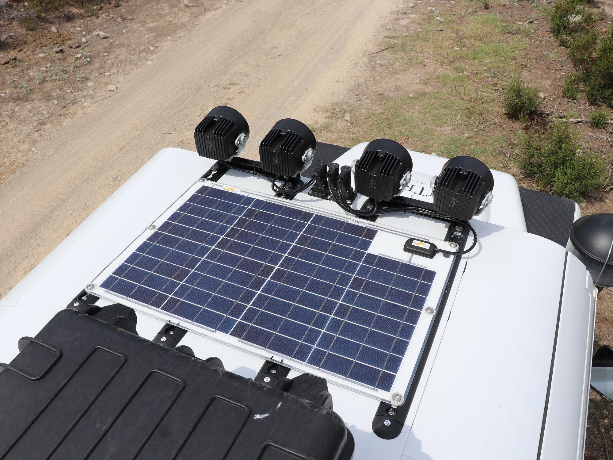 Solarpanel Land Rover Defender.000