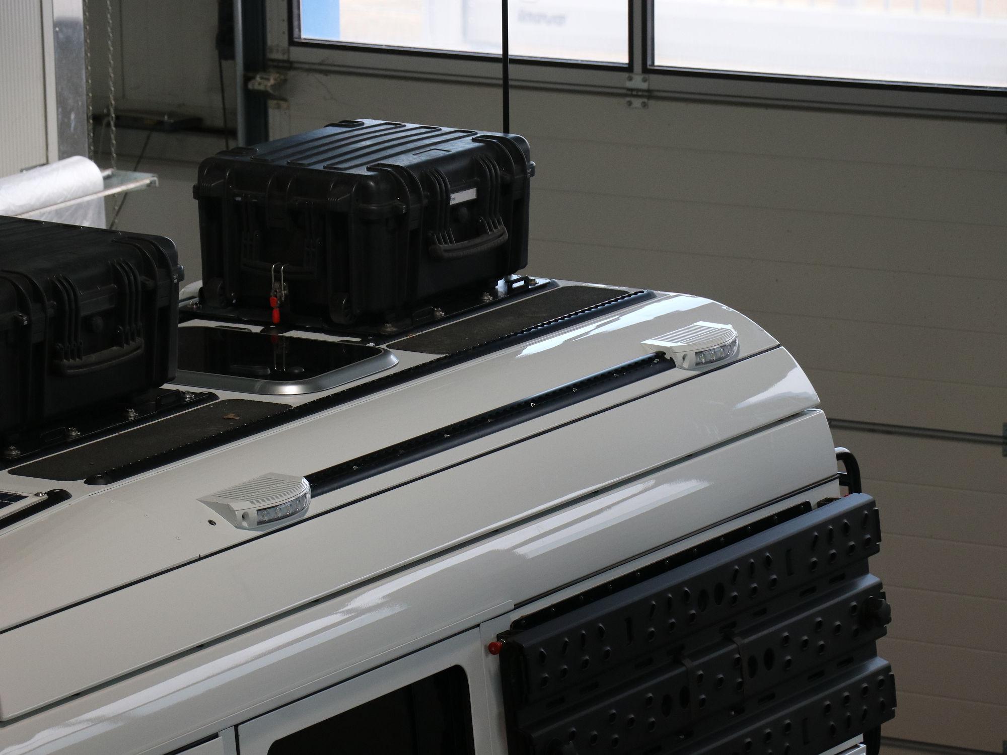 Umfeldbeleuchtung Land Rover Defender.001