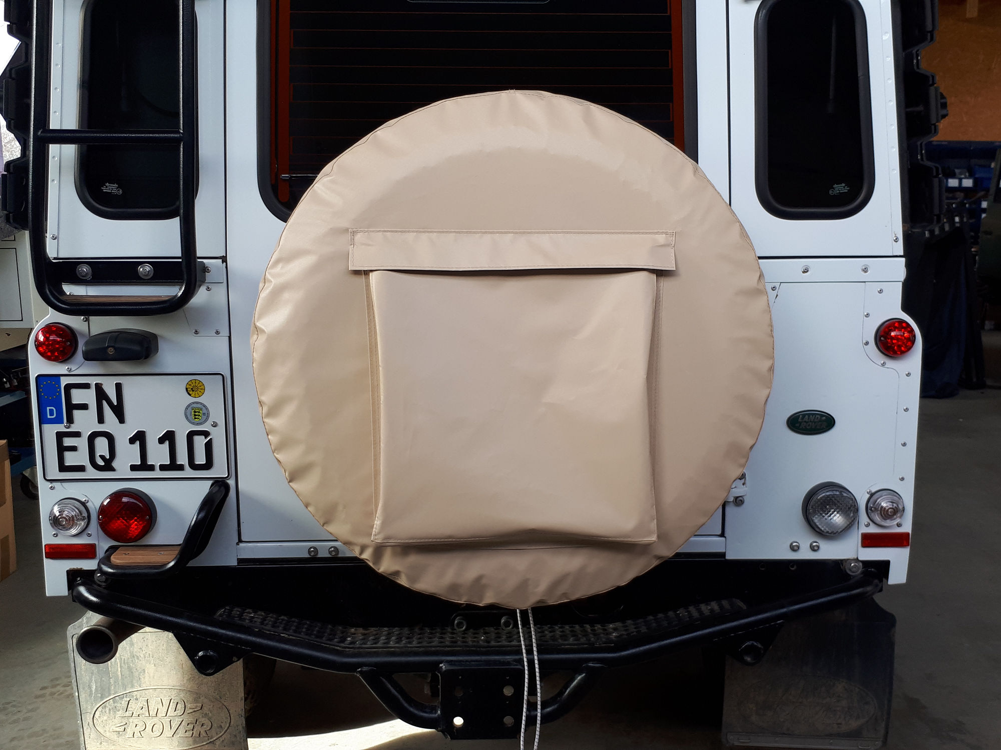 Reserveradhuelle Land Rover Defender spare wheel cover.002